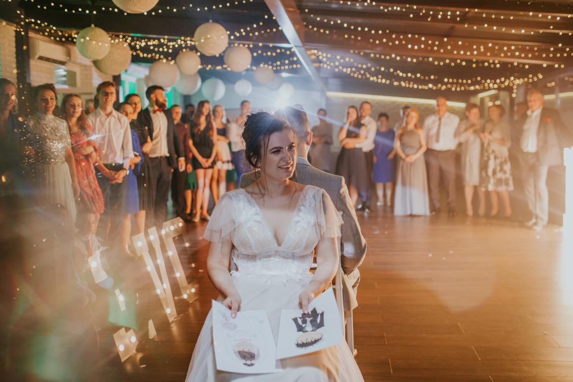mistrzowie ceremonii dekoracja światłem sali weselnej